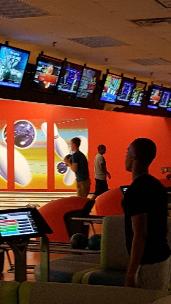boss-strike-the-night-bowling-july-2016-4