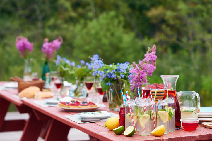 Budget Friendly End Of Summer Party Ideas Tips Omni Financial