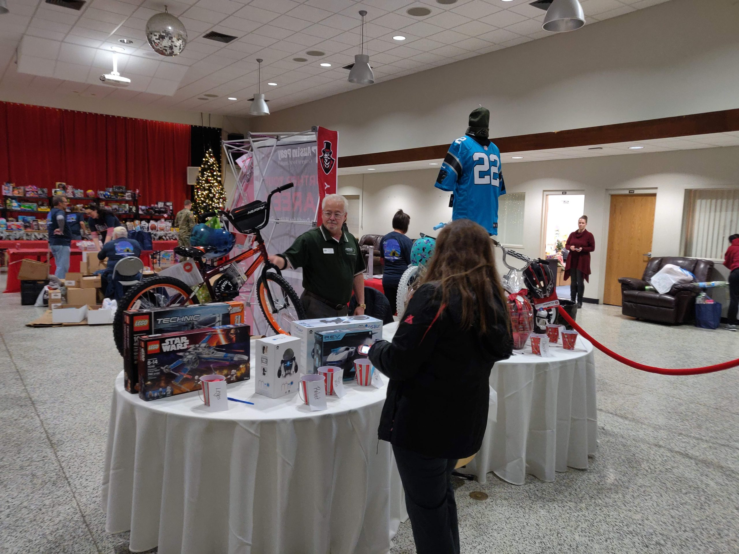 USO Great Gift Giveaway