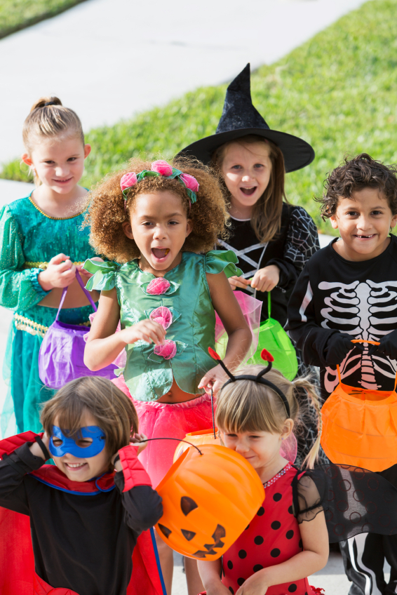 10 Easy and Inexpensive Halloween Costumes